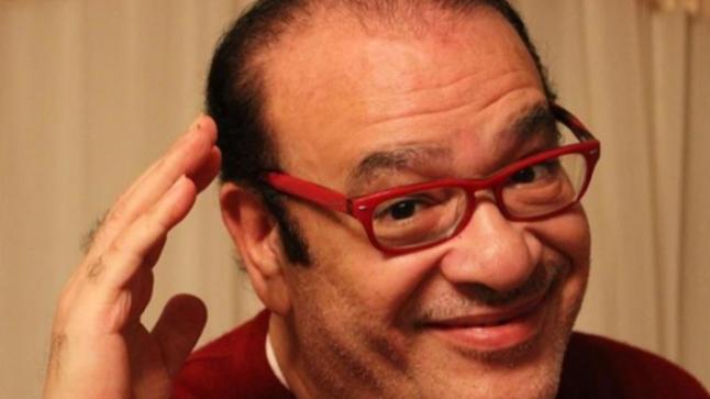 صلاح عبد الله يداعب جمهوره.. النوم بدري للعيال التوتو