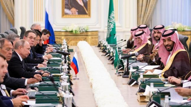 ولي العهد السعودي يؤكد على أهمية التعاون الروسي السعودي في قطاع الطاقة