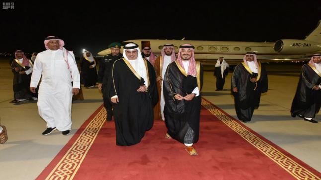 الأمير بندر بن سلطان يستقبل عدد من الأمراء الخليجيين لأداء واجب العزاء في وفاة والدته