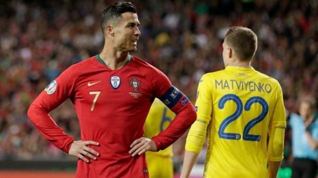أوكرانيا تتغلب على البرتغال بحضور رونالدو على أرضها في الشوط الأول